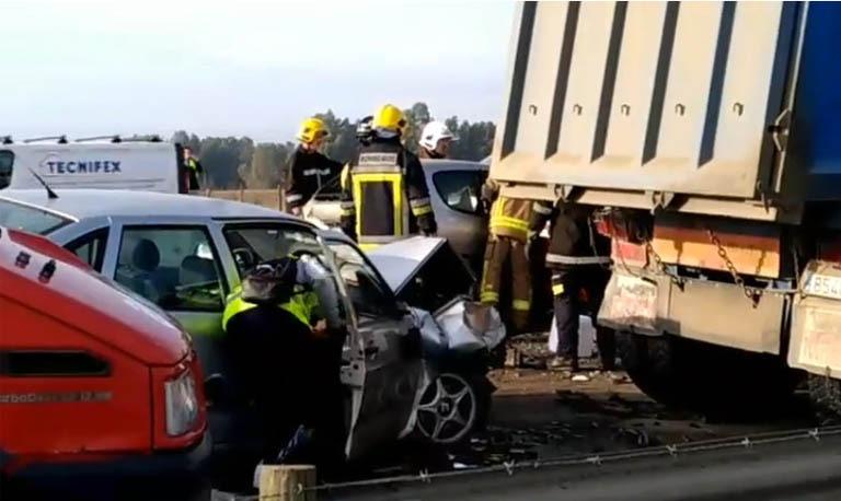 Acidente com 5 camiões e vários ligeiros na A6 deixa 16 pessoas feridas em Elvas 1